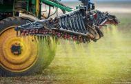 Anvisa reclassifica agrotóxicos muito tóxicos em categorias mais baixas