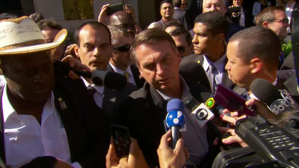 Bolsonaro diz que bloqueia verba da educação porque precisa, mas chama manifestantes de 'idiotas úteis' e 'massa de manobra'