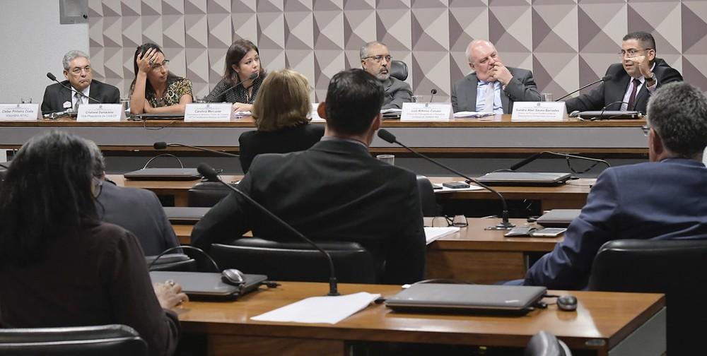 Comissão do Senado aprova texto que obriga presos a ressarcirem Estado por despesas da detenção