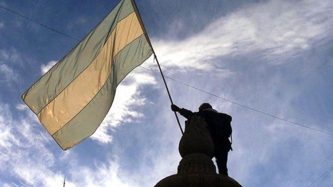 Mesmo com crises, Argentina ainda mantém índices de educação, saúde e igualdade melhores que os brasileiros
