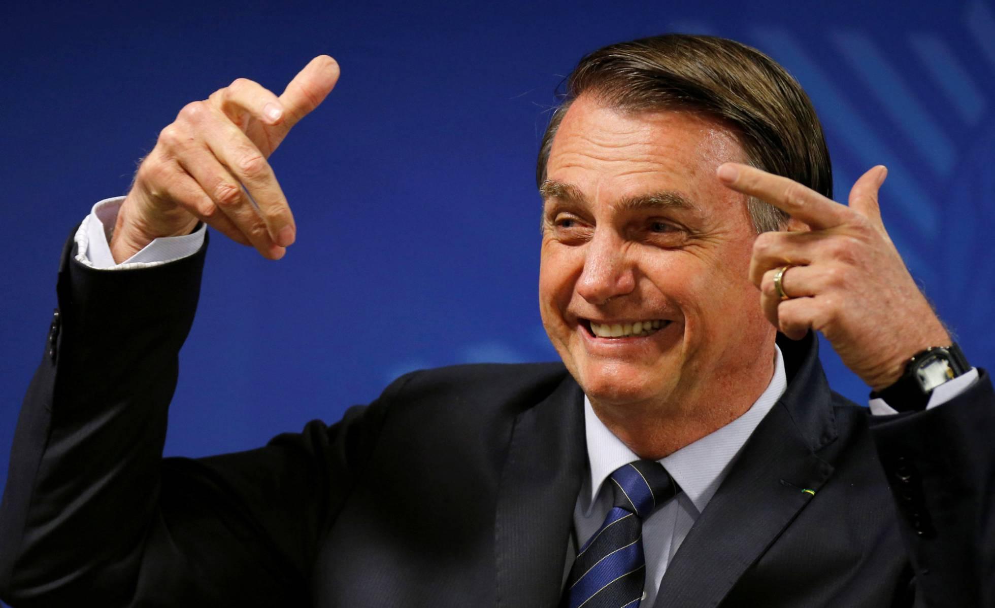 Empresários financiaram disparos em massa pró-Bolsonaro no Whatsapp, diz jornal