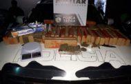 Policia desmancha comercialização de drogas e apreende 62 tabletes de maconha