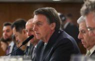 Bolsonaro mira no Exército para conter queimadas na Amazônia, mas reclama de falta de recurso