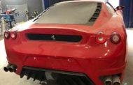 Polícia fecha fábrica clandestina de Ferrari e Lamborghini em SC