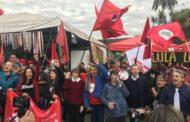 24 horas com a vigília que saúda Lula diariamente em Curitiba
