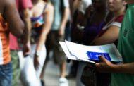 3,3 milhões de desempregados buscam trabalho há dois anos, diz IBGE